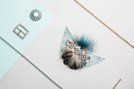 montaje adornos de cristal para el calzado