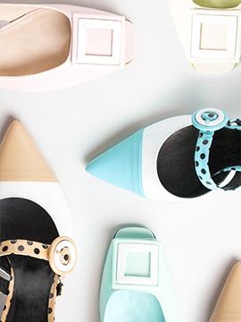 montaje de zapatos con adornos