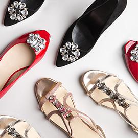montaje zapatos adornos de cristal